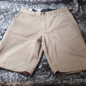 Volcom khaki shorts